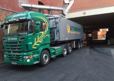 Lettenbichler Lastwagen beladen Schüttgut