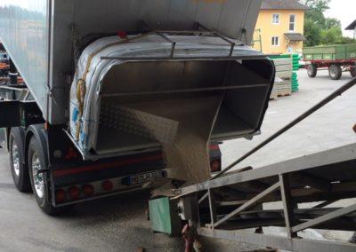 Lettenbichler Lastwagen LKW entladen Schüttgut