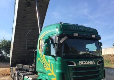 Lettenbichler Lastwagen LKW entladen Biertreber