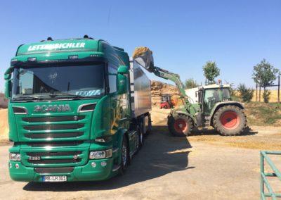Lettenbichler Lastwagen LKW beladen Traktor Stapler