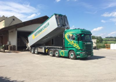 Lettenbichler Schüttgut entladen Biertreber Lastwagen LKW