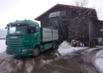 Lettenbichler Lastwagen LKW entladen