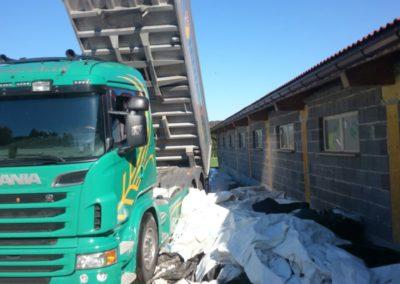 Lettenbichler LKW Lastwagen entladen