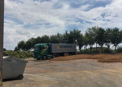 Lettenbichler LKW Lastwagen Feuchtfuttermittel entladen Lagerung