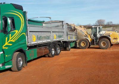 Lettenbichler Futtermittel gespann feuchtfuttermittel Biertreber Lastwagen LKW Radlader beladen