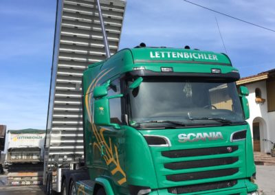 Lettenbichler Lastwagen Ladefläche aufgestellt