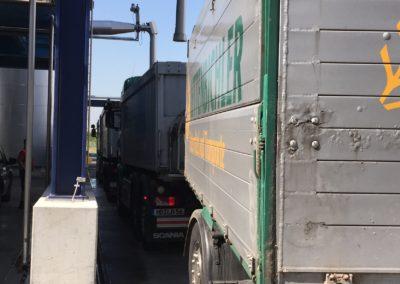Lettenbichler Lastwägen gespann doppelt Silo beladen